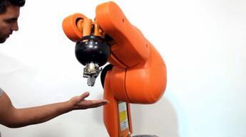 collaborative-robots-KUKA-KR5 SI-sensors-padding