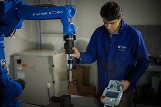 kinetiq teaching demonstration welding robot
