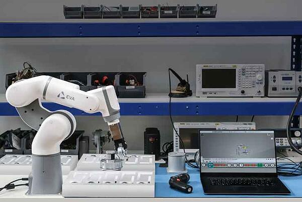 industrial-robot-cobot-eva-pick-and-place