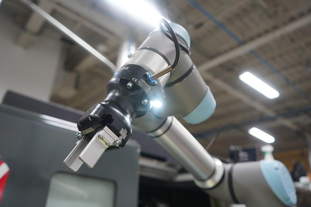 Hand-E - Wrist Camera Machine tending 2