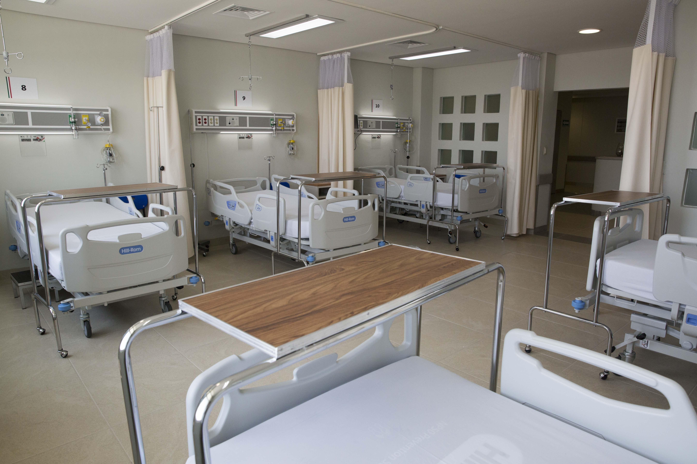 Inauguracin_del_Hospital_Regional_de_Apatzingn._20503993770.jpg