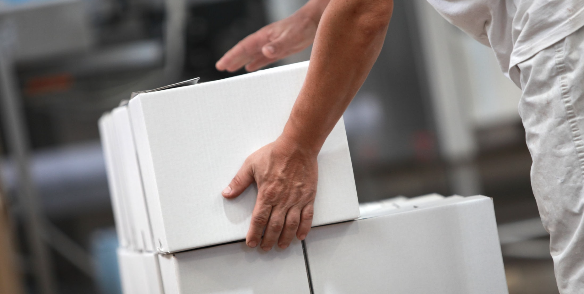 7 Signs Your Business Is Ready for Cobot Palletizing