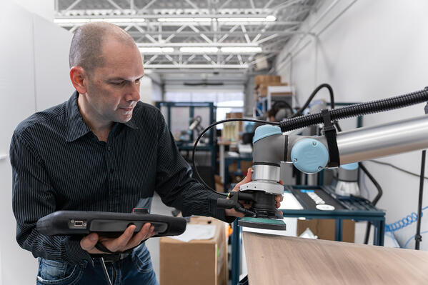louis bergeron automation expert sanding kit robotiq