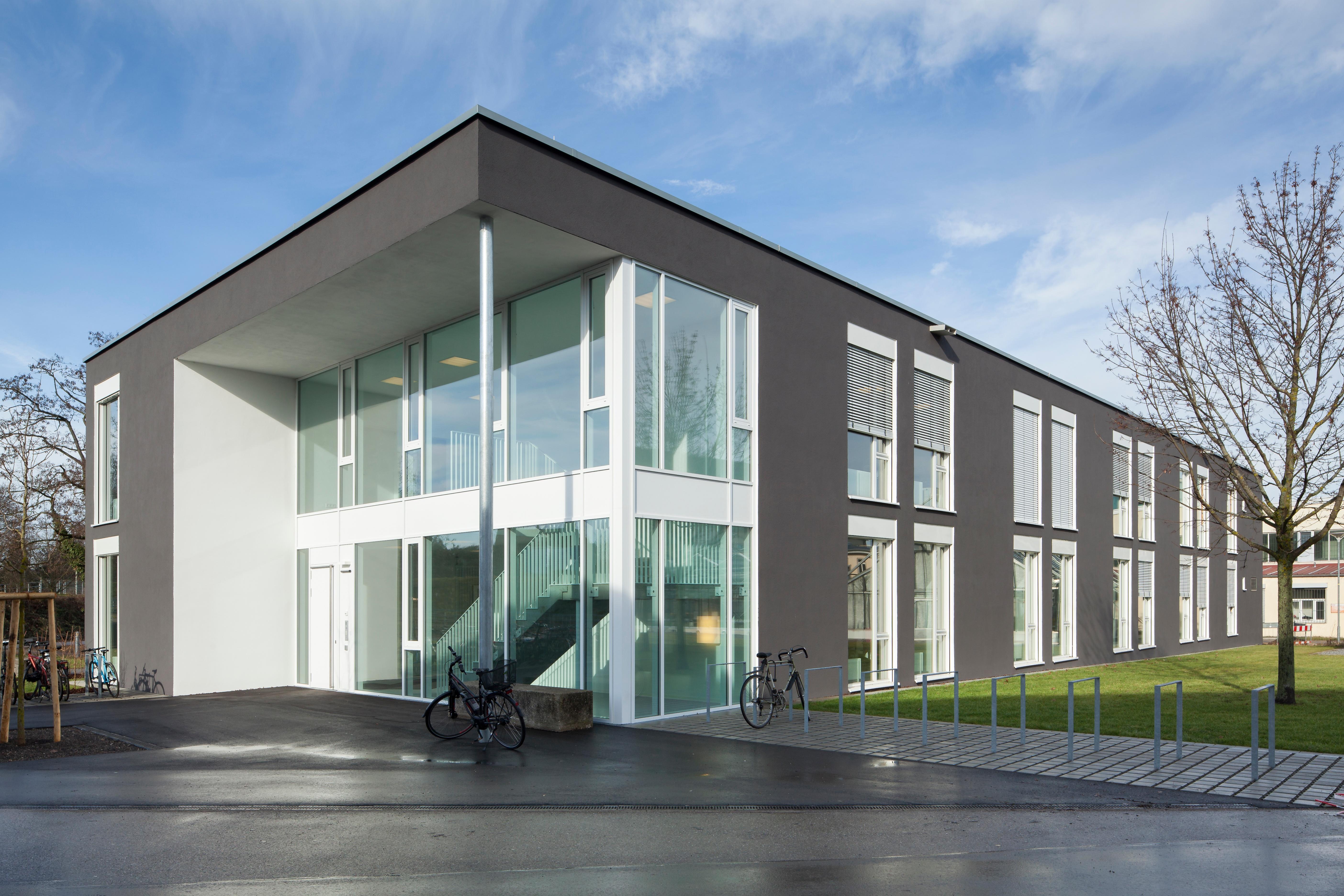 TF_Eroeffnung_Integrated_Robotics_Center_(Ingeborg_Lehmann).jpg