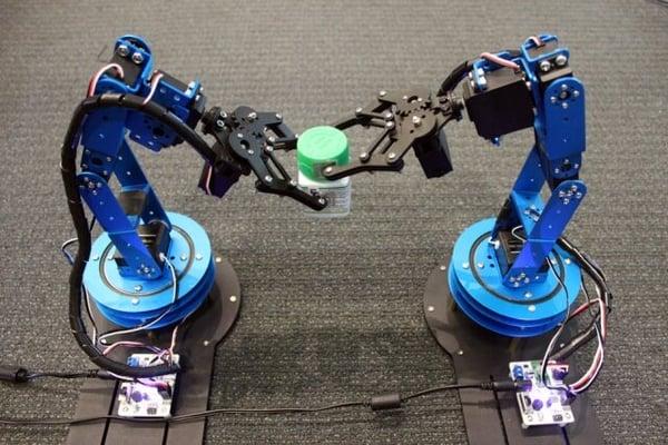 robots-with-RFID-tags-MIT-Media-Lab