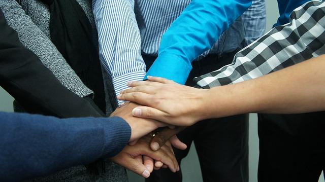 teamwork-383939_640.jpg