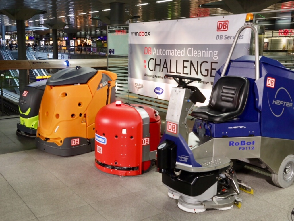 tn_de-DB-cleaning-robots_Berlin_Hbf-PEC_0622.jpg