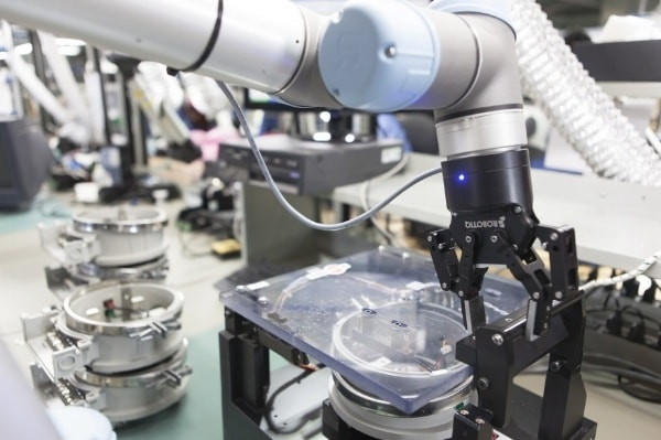 What Risks Do Production Managers Face When Implementing Robotic Solutions?