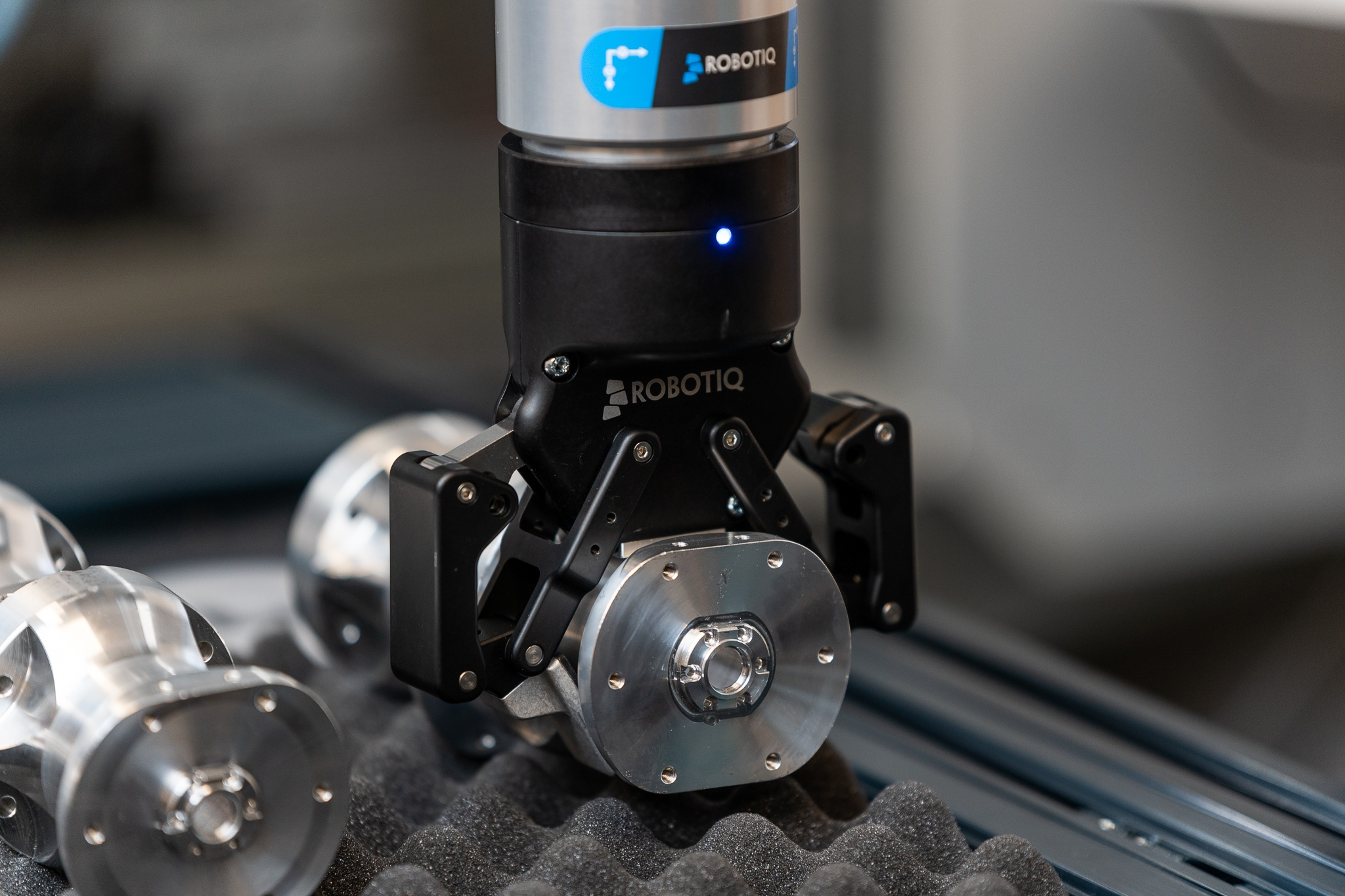 Robotiq Improves the World's Best-Selling Grippers