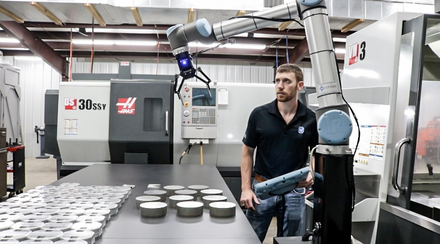 Case Study: Robotiq's Wrist Camera Doubles the Productivity of WALT Machine Inc.