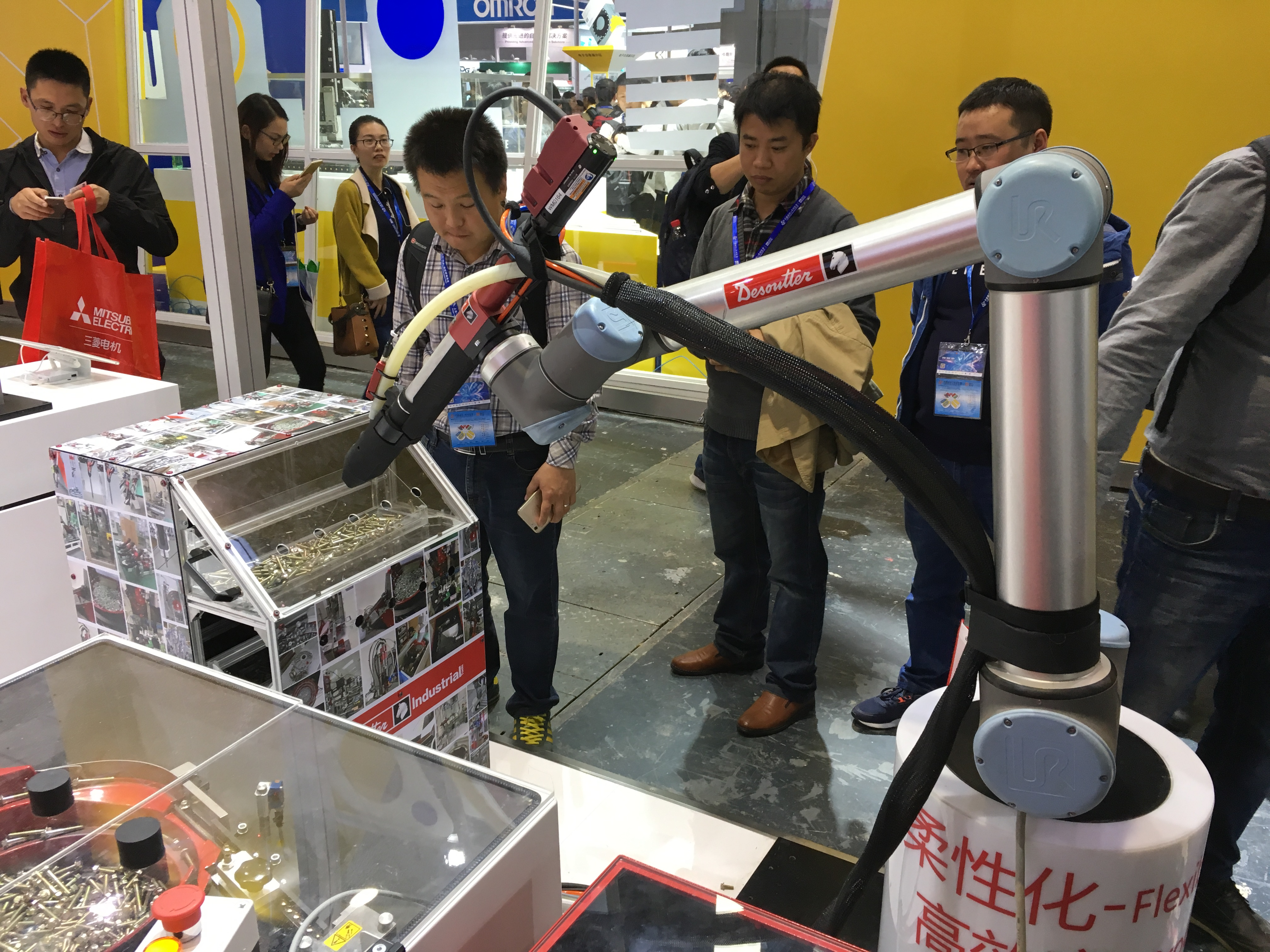 What Are the Different Types of Collaborative Robots?