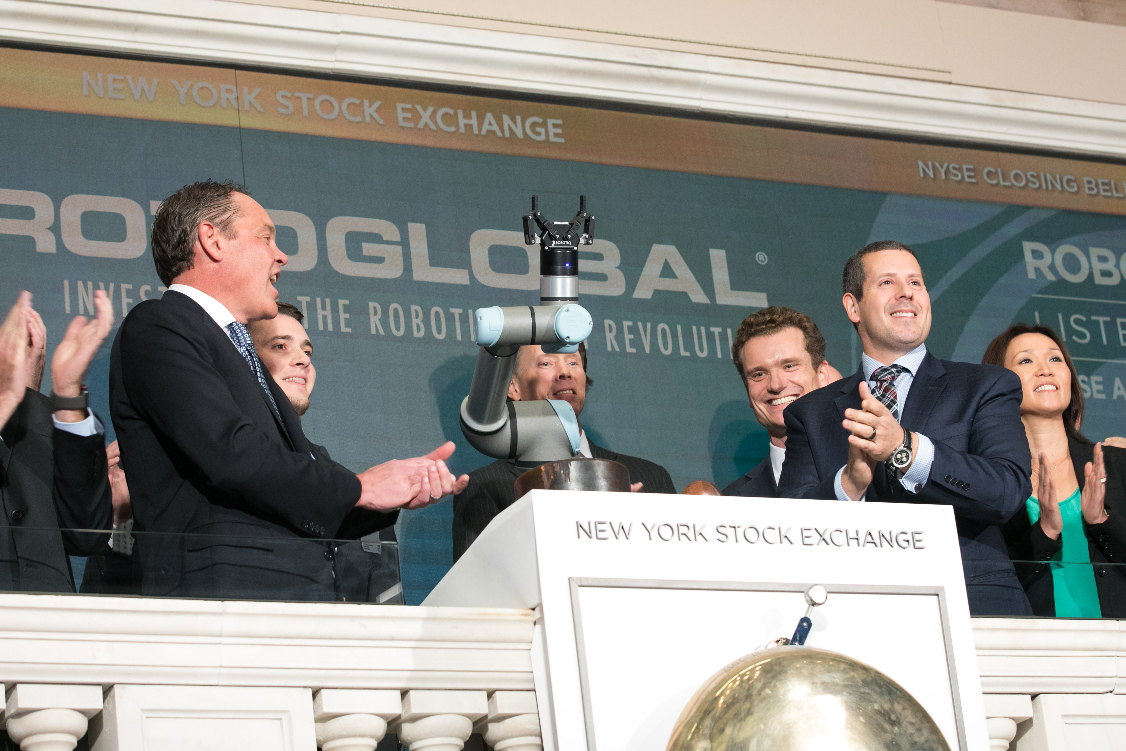 Robotiq Rings the NYC Stock Echange Closing Bell!