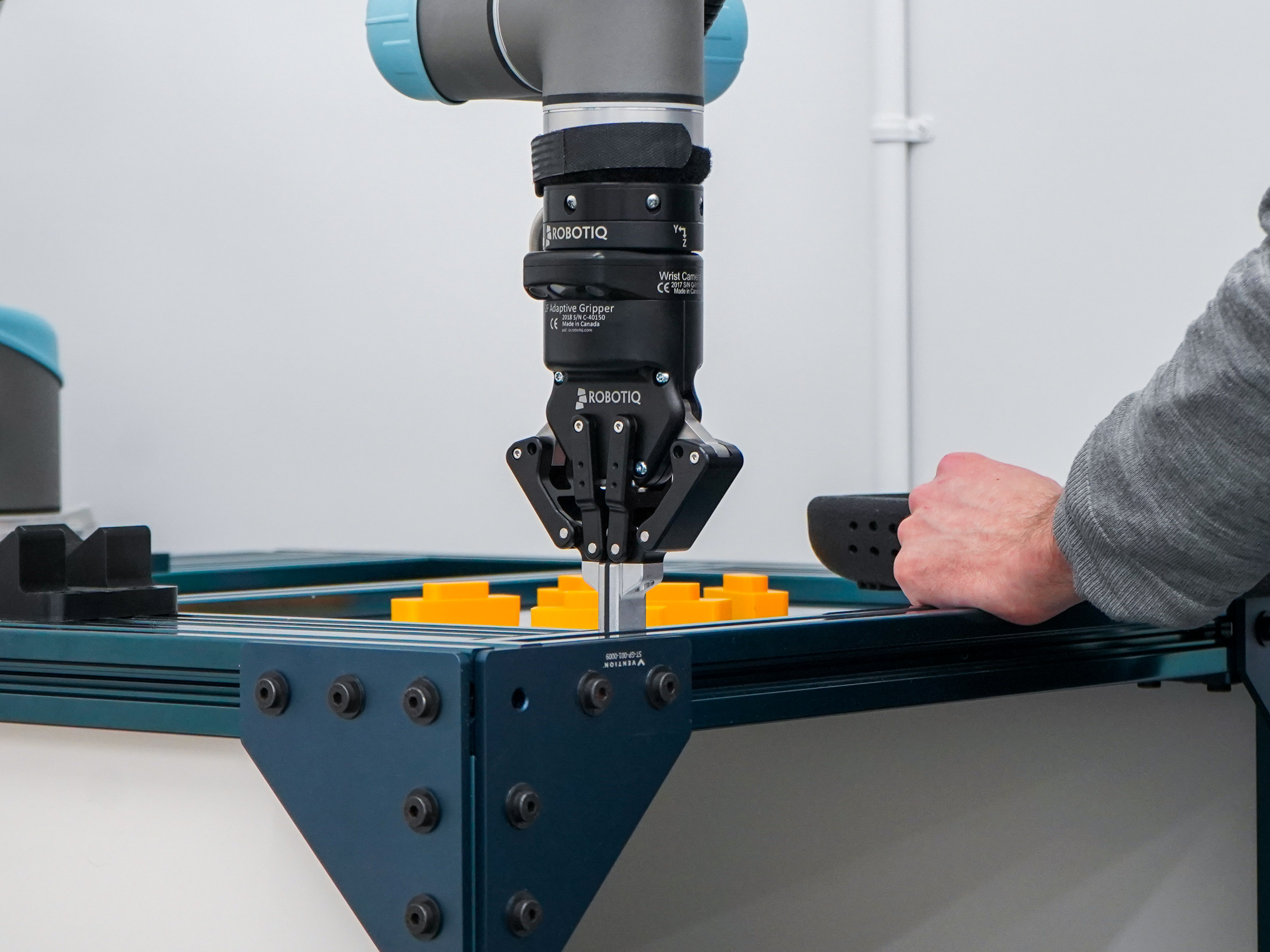 10 Solutions to Improve Robot Vision With Shiny Objects