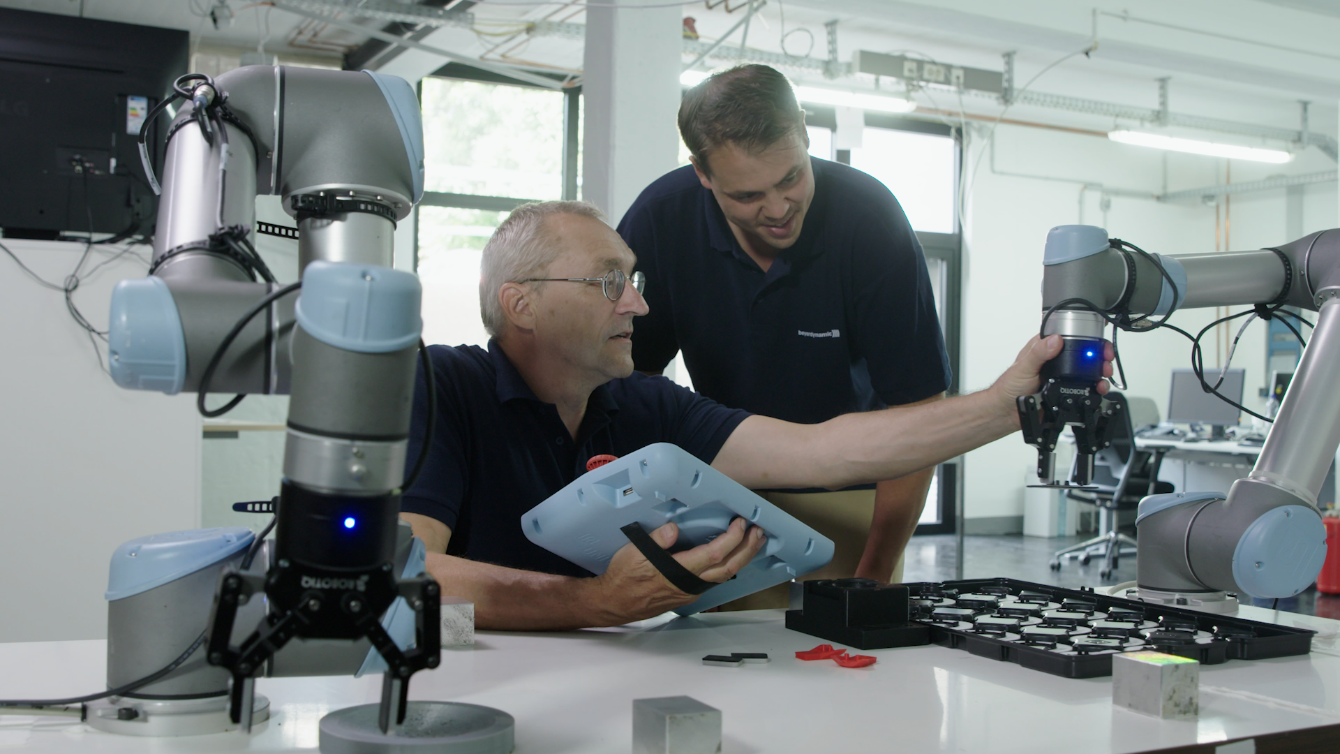 How to Plan Robotics Training Exercises Your Team Will Love