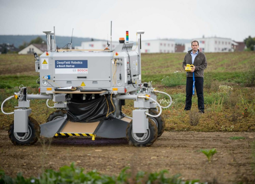 The-Bonirob-farming-robot.-Image-courtesy-of-Bosch-e1448790933754.jpg
