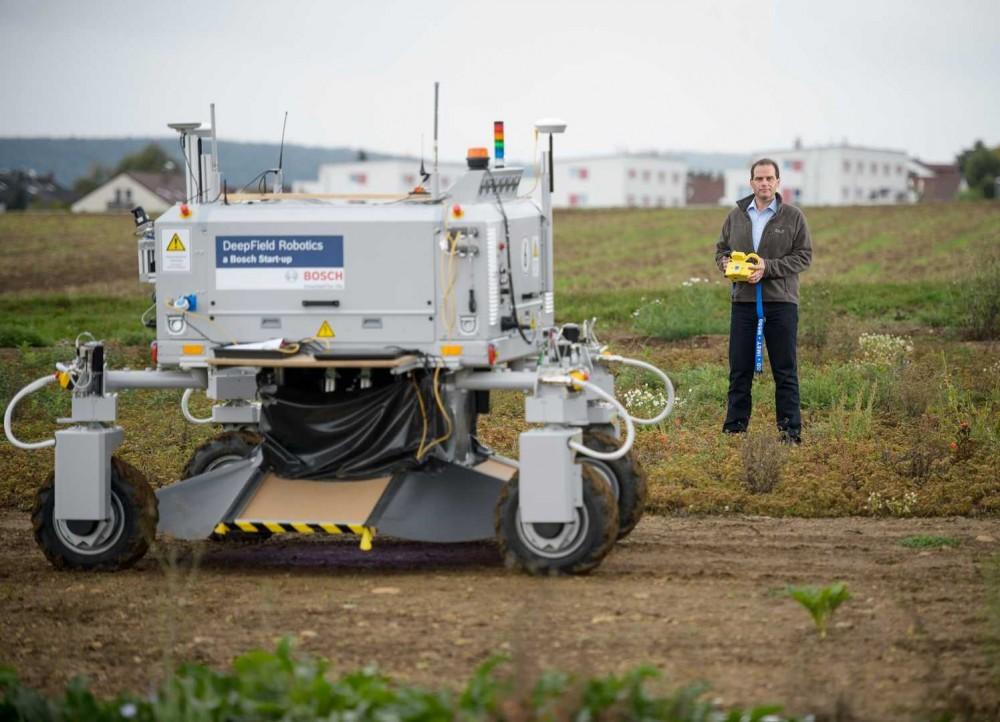 The-Bonirob-farming-robot.-Image-courtesy-of-Bosch-e1448790933754.jpg