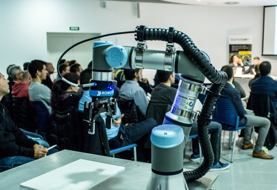How Robotics Training Helps Create New Applications