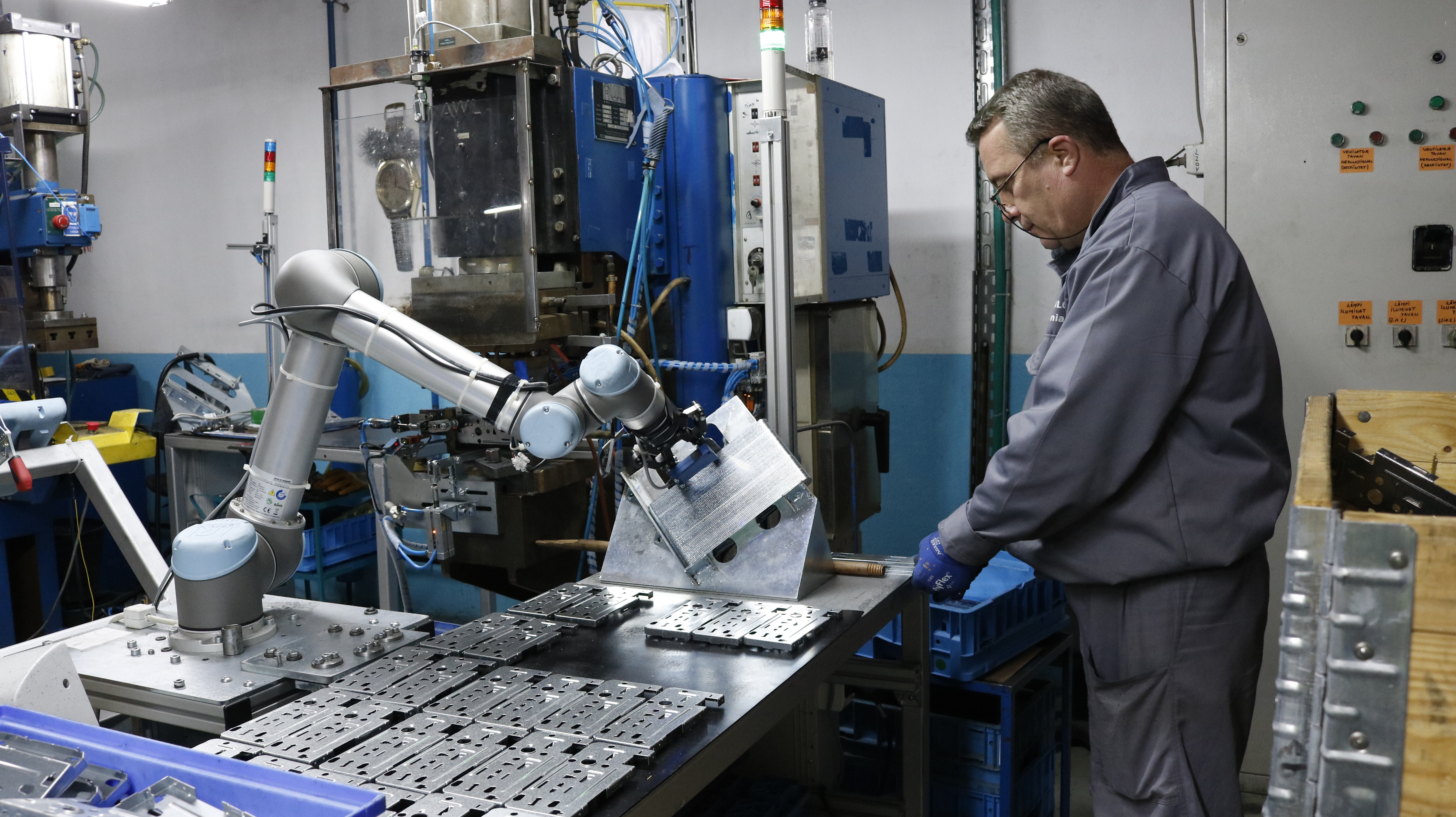 Avoid Common Robotics Hazards by Following These 6 Rules