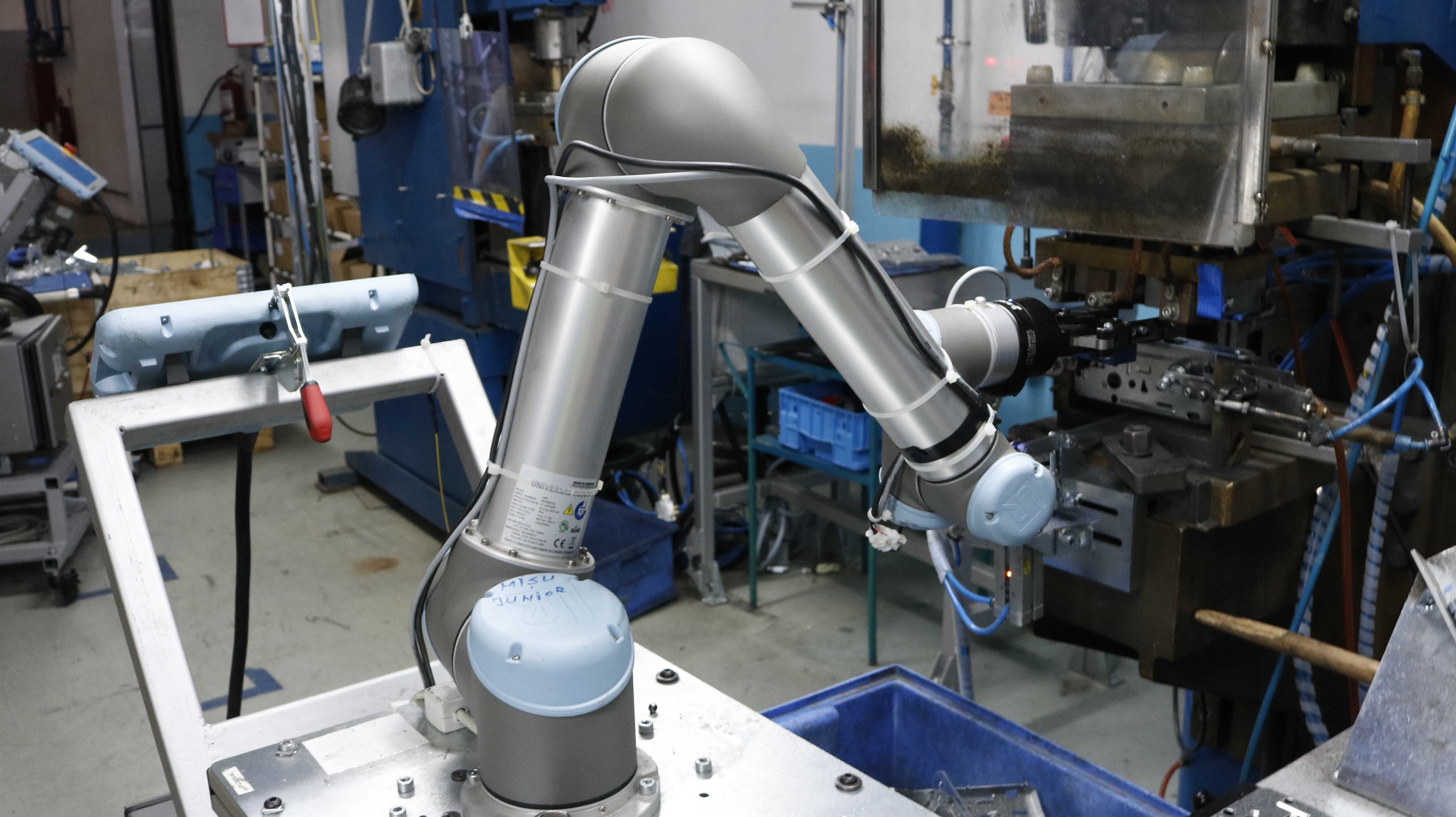 How the Collaborative Robots Buyer's Guide Can Help You