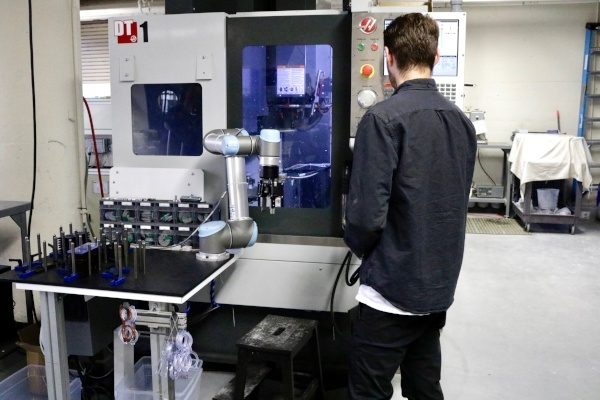 How Today's Collaborative Robots Are Cheaper Than Fenced Options