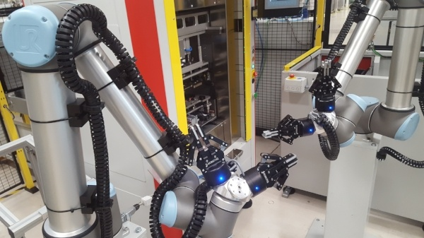 Continental Automotive Pushes for Industry 4.0 With Robotiq and Universal Robots