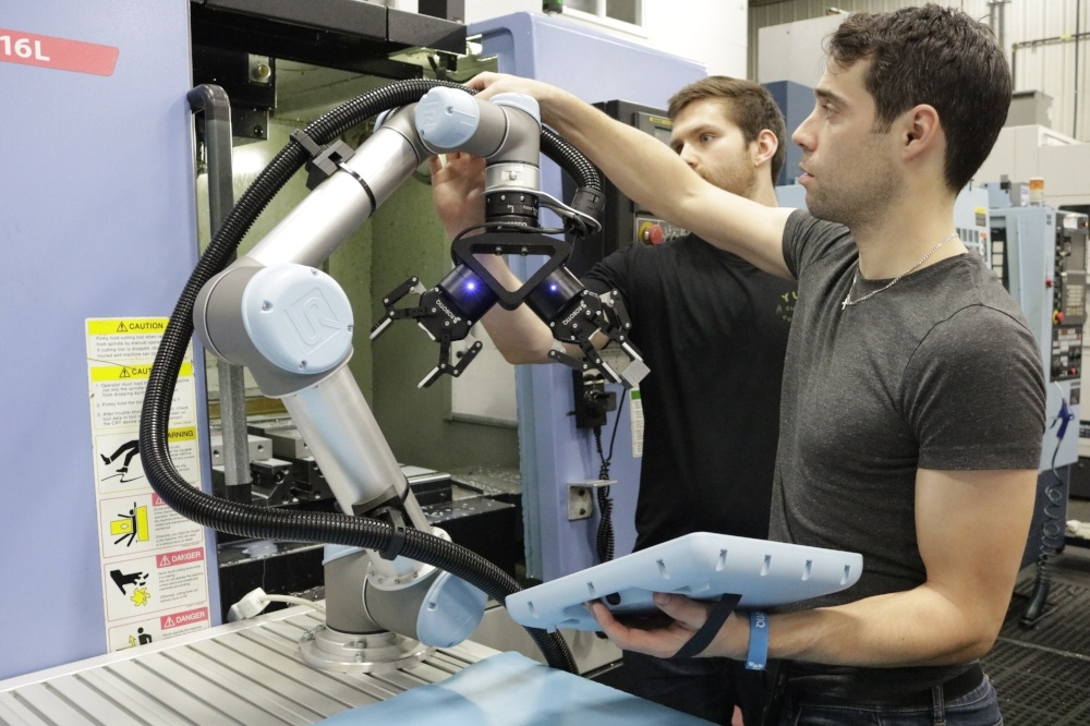 Robotiq's Gripper URCap Now Supports Multiple Grippers on the Same Arm