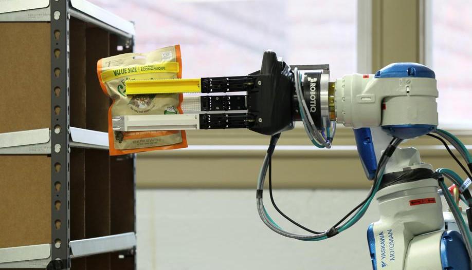 Robotiq Devices at the Amazon Picking Challenge