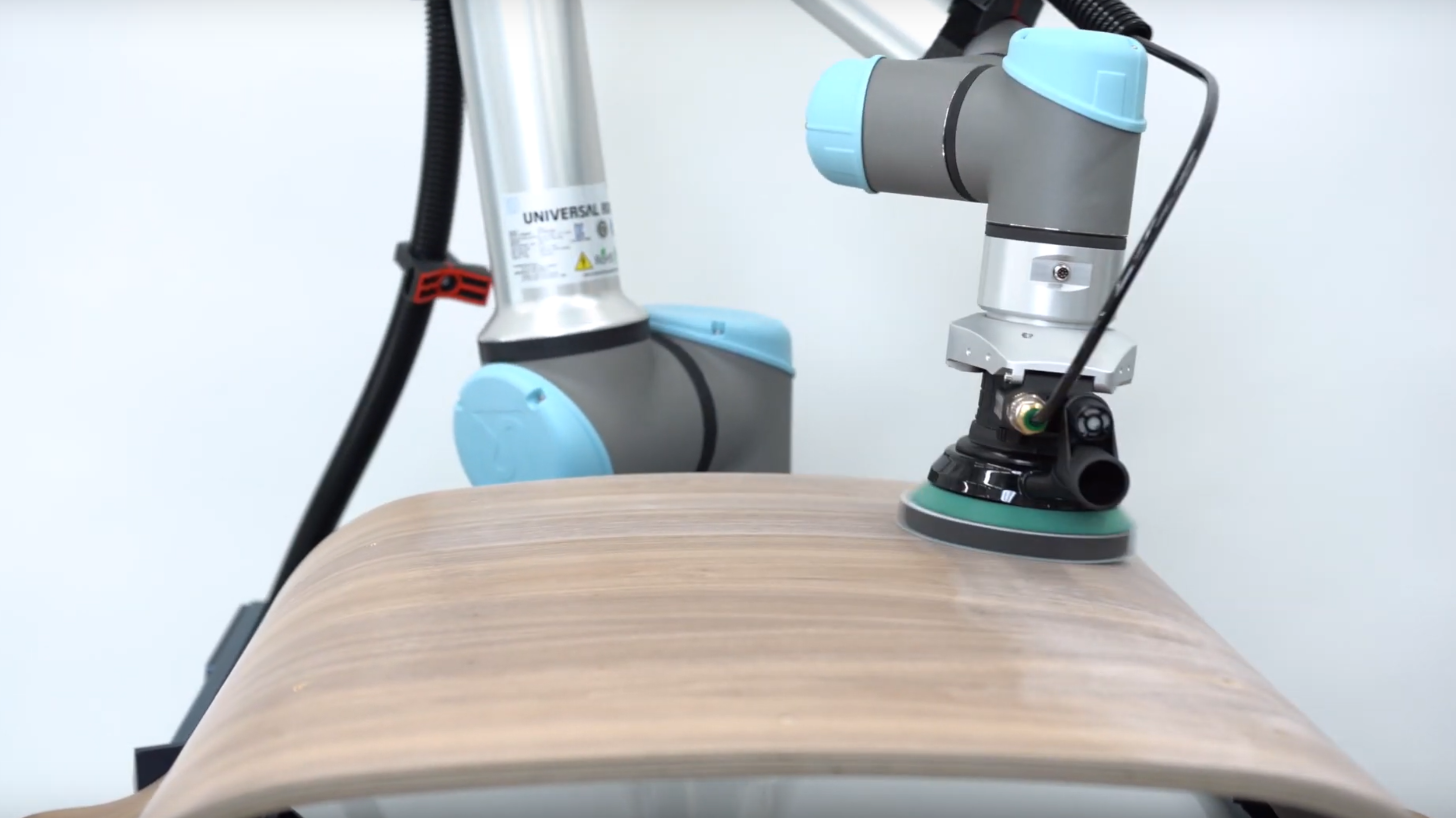 7 Companies That Are Using Polishing and Buffing Robots