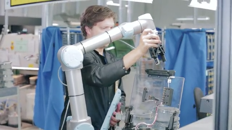 3 Challenges Manufacturers Face When Implementing Robotics